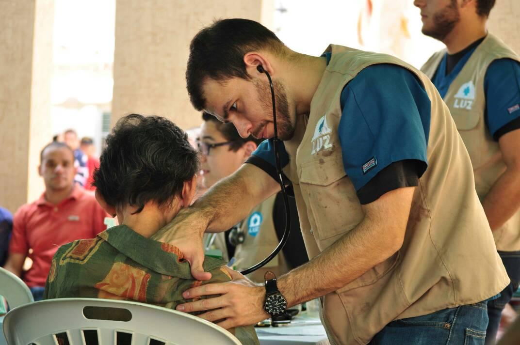 ONGs Paúl Venezuela y Primeros Auxilios LUZ brindan salud en Maracaibo
