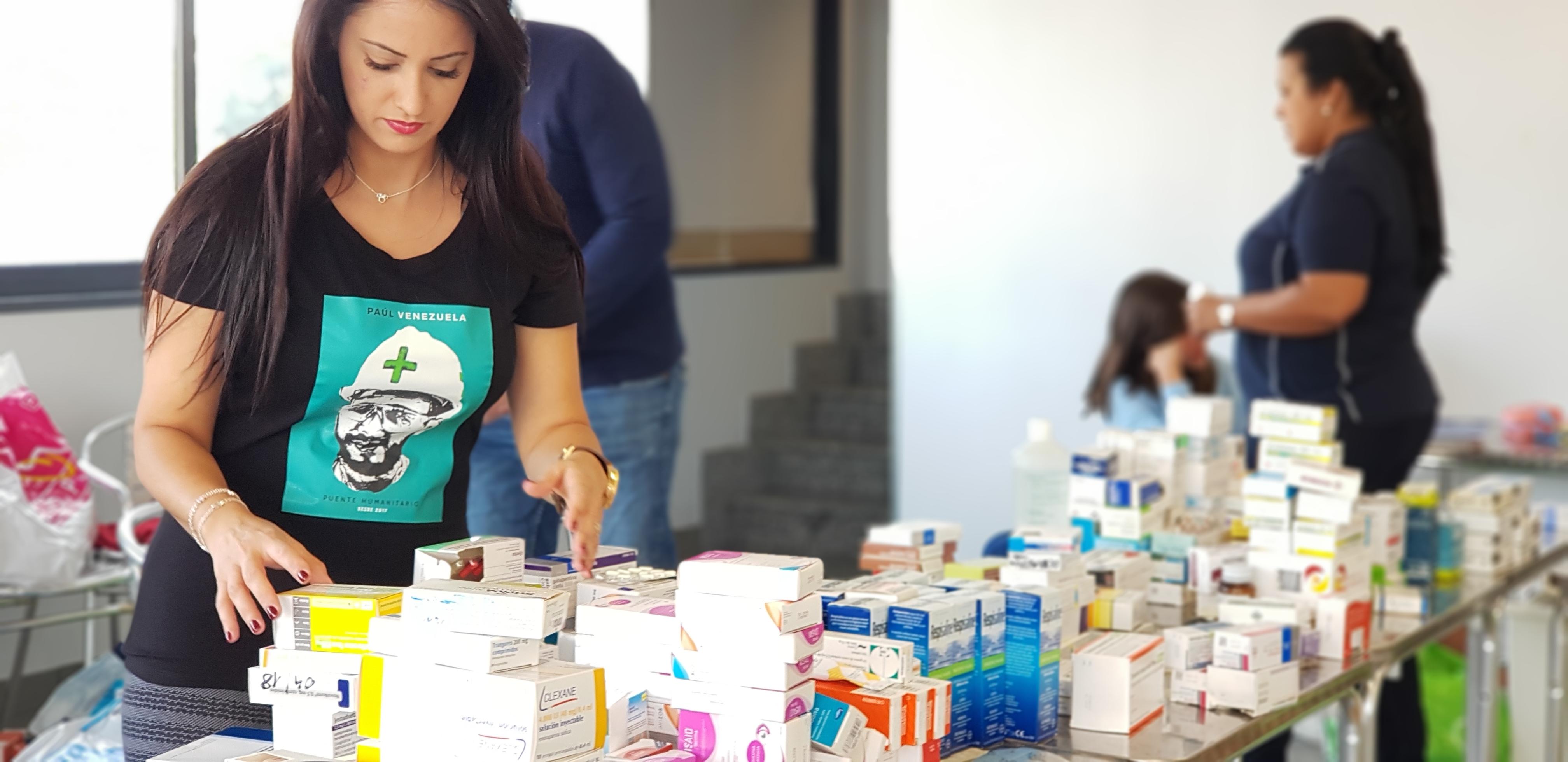 Llega nueva carga con 130 kilos de medicamentos para ayuda humanitaria